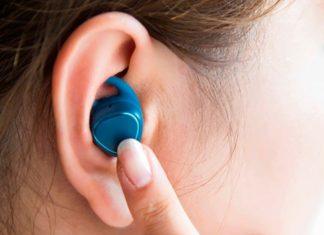 Samsung lancia i Gear IconX, auricolari intelligenti
