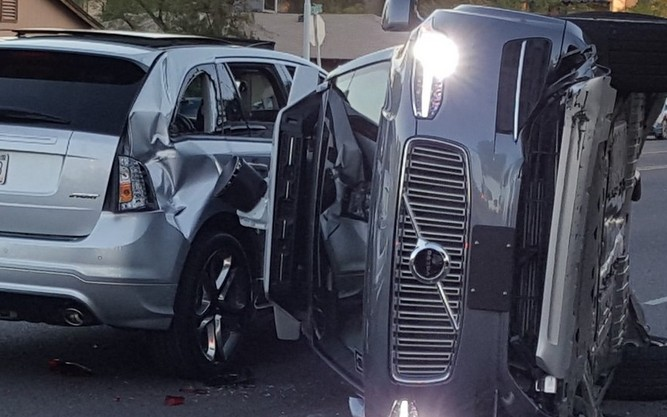 Stop alle auto driverless di Uber dopo un incidente in Arizona