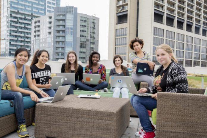 EU Code Week, Apple offre lezioni gratuite per programmare con Swift