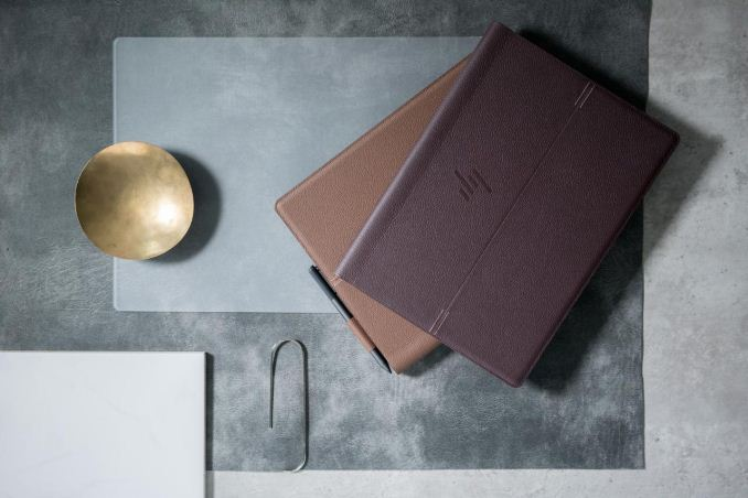 HP Spectre Folio in due colori, cognac brown e bordeaux burgundy