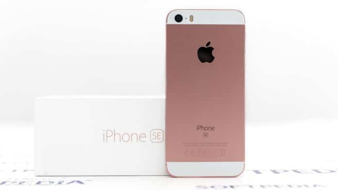 Apple vende iPhone SE forti sconti