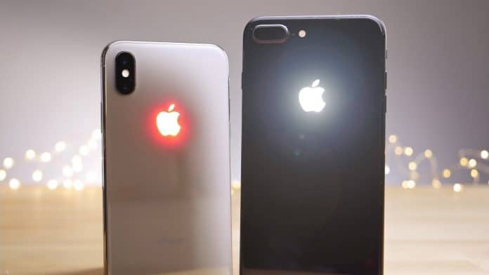 Accensione torcia iPhone X iPhone XS