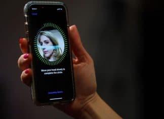 Brevetto Apple Face ID sblocco portiera auto