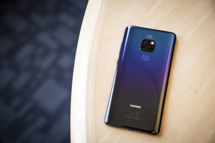 Huawei molla Android Google perde 800 milioni utenti
