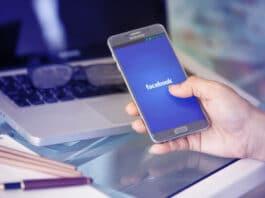 Mark Zuckerberg fa trascrivere note vocali illegalmente