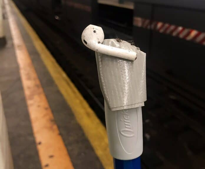 Recuperare AirPods perse in metro a New York