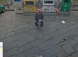 Il parcheggiatore abusivo su Google Maps in Piazza del Carmine, Napoli