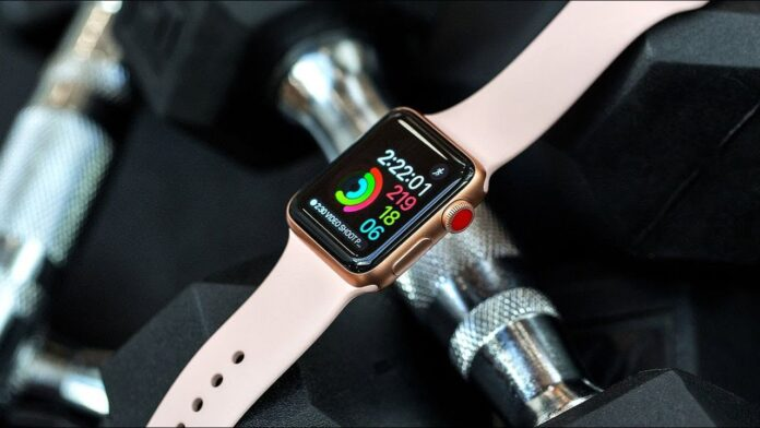 vendite record Apple Watch che intimorisce Swatch