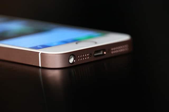 Apple rallentava iPhone, rimborsa 500 milioni di dollari