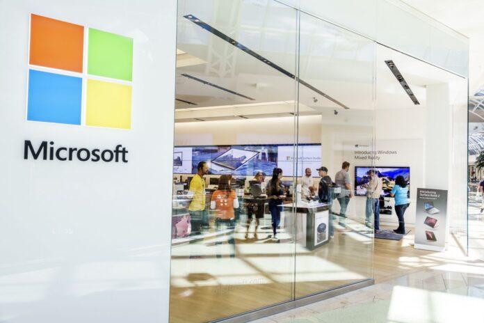 Microsoft chiude gli store, apre online